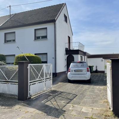 Einfamilienhaus mit Baugrundstück in Niederkassel-Rheidt