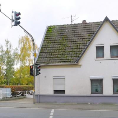 Freistehendes Einfamilienhaus mit Baugrundstück in Niederkassel-Rheidt