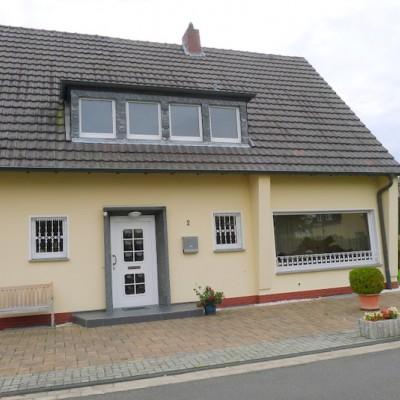 Freistehendes Einfamilienhaus mit Garage in Mondorf