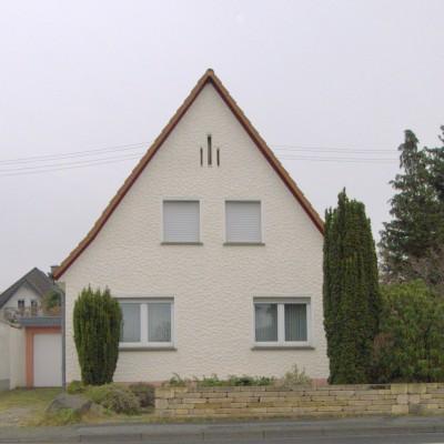 Freistehendes Einfamilienhaus mit Garage in Niederkassel-Ranzel