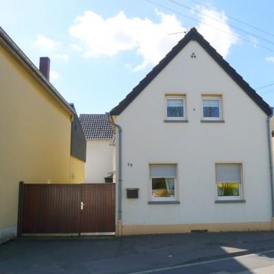 Verkauf von zwei Einfamilienhäusern in Niederkassel-Mondorf
