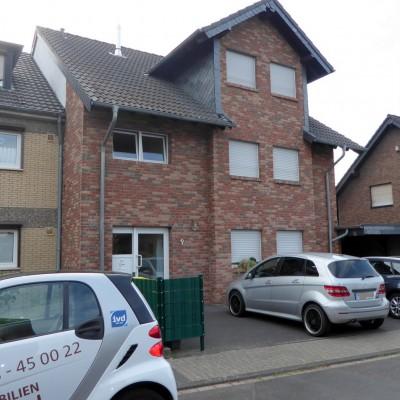 3-Zimmer-Dachgeschosswohnung in guter Wohnlage von Niederkassel-Rheidt